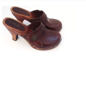 Mia Brown Wooden Clog Mule Distressed Leather Sz 6